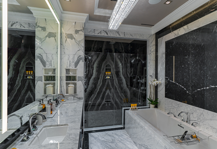 Presidential Suite Bathroom Image